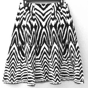B&W knit skirt